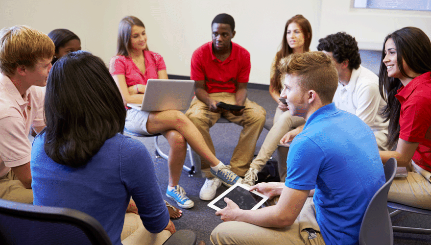 Participation in Discussion Forums as a Source of Ideas