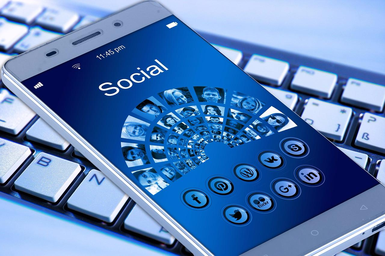12 Top Reasons Why You Cannot Work Without Social Media Strategy